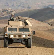 Soldat américain de la 561ème Compagnie de Police militaire rattachée à la 10ème Division de Montagne près de Bagram en Afghanistan