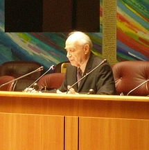 Le Dr Hantz lors de sa conférence au Conseil Régional de Lorraine