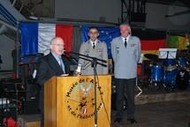Alexandre Wattin, administrateur du Cercle Esprits de Défense aux côtés du Colonel Dorandeu, chef de Corps de l'EAALAT, et du Colonel Bussiek, chef de corps de l'Ecole franco-allemande du Tigre