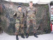 Le Lieutenant de réserve, Christian Cazaux, et le Capitaine, Johannes Niklas, Vice-Président et Président de la Fédération sarroise des réservistes de la Bundeswehr