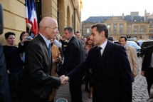 Dominique Gros, Maire de  Metz, accueillant Nicolas Sarkozy, Président de la République