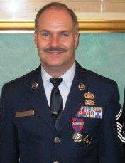 Gilles Roserens et la médaille de la Défense nationale