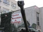 Canon d'un AMX 10 RC du 3ème Régiment de Hussards devant l'IUT de Metz