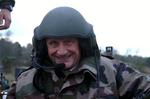 Gérard Longuet en novembre dernier lors d'une visite au 1er et 2ème Régiment de Chasseurs à Thierville sur Meuse (source : www.gerardlonguet.fr)