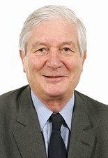 Le Sénateur Josselin de Rohan, nouveau Président de la Commission des Affaires étrangères, de la Défense et des Forces armées du Sénat