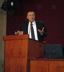 Jean-Marie Bockel, Secrétaire d'Etat à la Défense et aux Anciens Combattants lors des restitutions des travaux