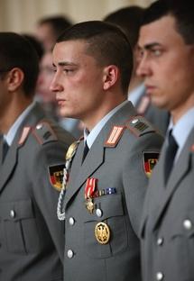 Le Caporal-Chef Samuel Lienerth décoré de la croix de la valeur militaire