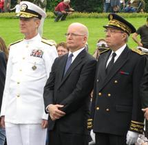 Le Vice-Amiral Richard K. Gallagher, le Consul Général Vincent Carver, et le Préfet de la Région Lorrraine et de la Moselle Bernard Niquet