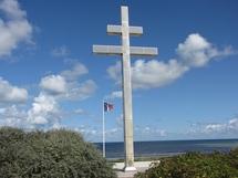 La Croix de Lorraine sur la plage de Gray-sur-mer