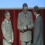 Le Général de Brigade, Alain Boulnois, le Chef d'Etat-Major de l'Armée de Terre, le Général d'Armée Bruno Cuche et Gregory Dufour, Président du Cercle Esprits de Défense