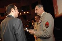 Le Général Cuche et Gregory Dufour, Président du Cercle Esprits de Défense