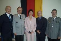 De gauche à droite: Michael Sauer (Vice-Président de l'Amicale des réservistes de Selztal, Colonel de réserve), Eberhard Erler,  Ute Granold (Députée-Maire, Alexandre Wattin (Cercle Esprits de Défense), Peter Ociepka (Vice-Président de l'Amica