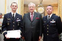 Le Colonel Carré, Commandant de la Base aérienne de Mont de Marson, Christian Poncelet, Président du Sénat et le Capitaine François Maurice le 3 juin lors de la remise du Trophée Civisme et Défense
